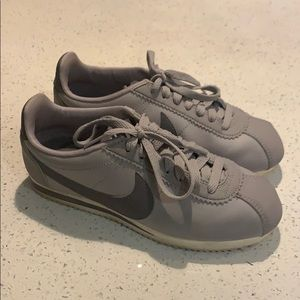 Leather Vintage Style Nike's